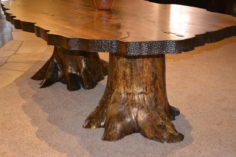 Pied de table en forme de tronc d'arbre